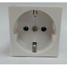 Розетка электрическая 2К+З, с защитными шторками (белый)